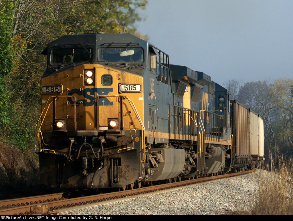 490 - 585 leads the U708 east along the James River as the early morning fog lifts