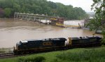 627 - Q13507 heads west along a very swollen James River