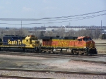 BNSF 4782 Heads a Freight Train East on the Ravenna Sub