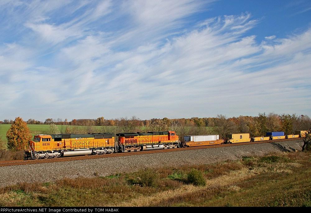BNSF 8836 on CSX Q151-31
