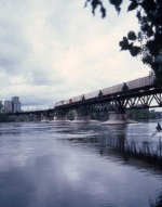1381-12 Westbound SOO 6601 crossing Camden Bridge