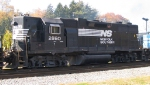 NS 2860 heads eastbound towards Biltmore