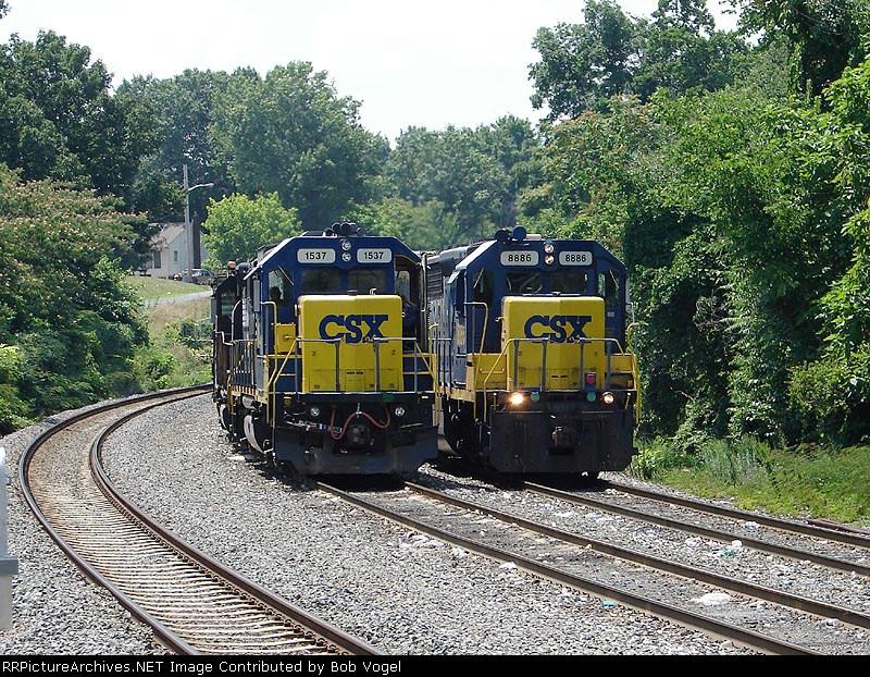 CSX 1537 & 8886