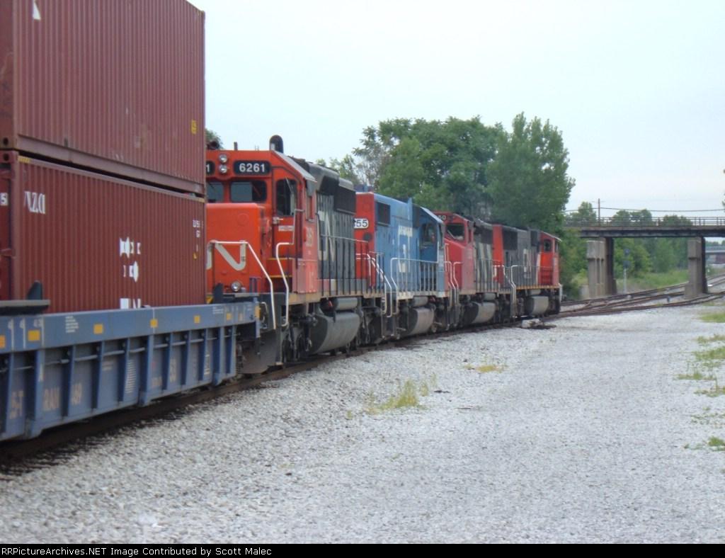 CN 5601 & 5350, GTW 5855 & IC 6261