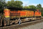BNSF 4552 and her crew are about ready to depart