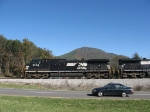 NS 9908 brings V92 around the front of the Massanutten Peak