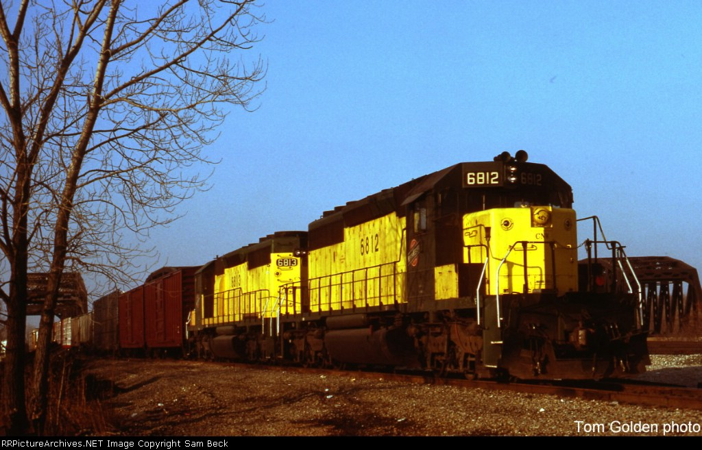 CNW 6812 and 6813
