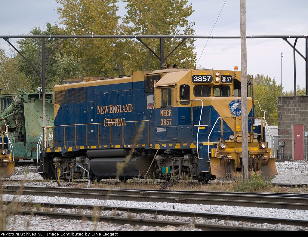 NECR 3857 in the yard at 12:41pm