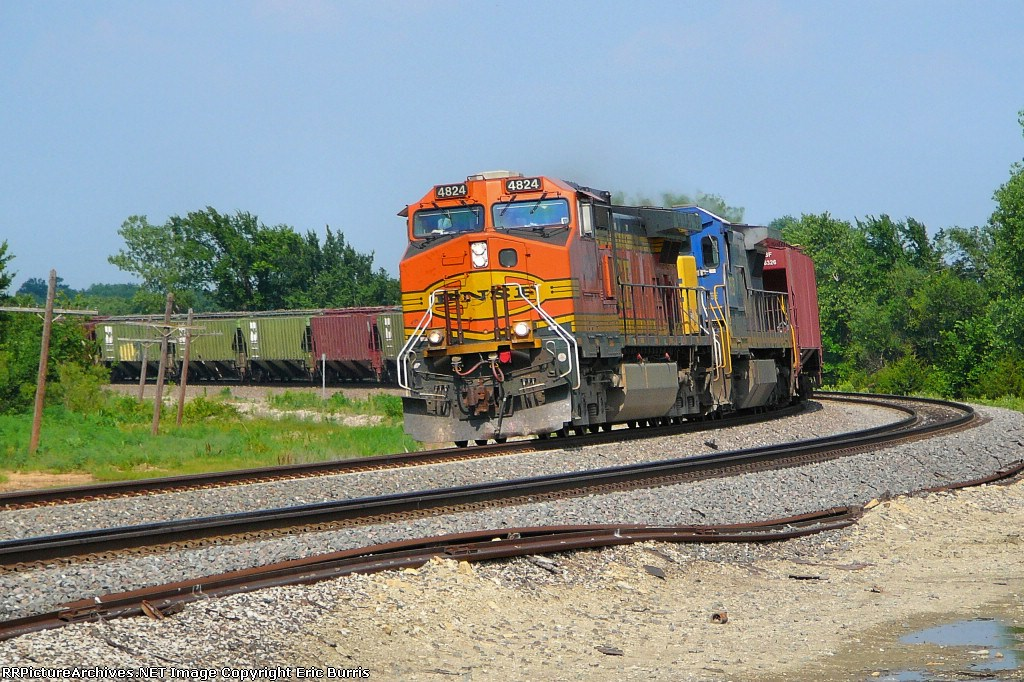 BNSF 4824 west