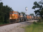 BNSF 8918 leads a total of 6 SD70MAC's on NB empties