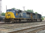 CSX 4558 & 776 heading for the house