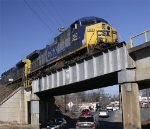 CSX 260 crosses over bridge on Lingal Lead