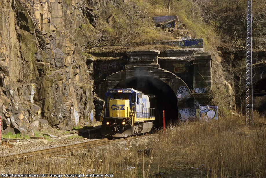 CSX Q434 emerges from the tunnel