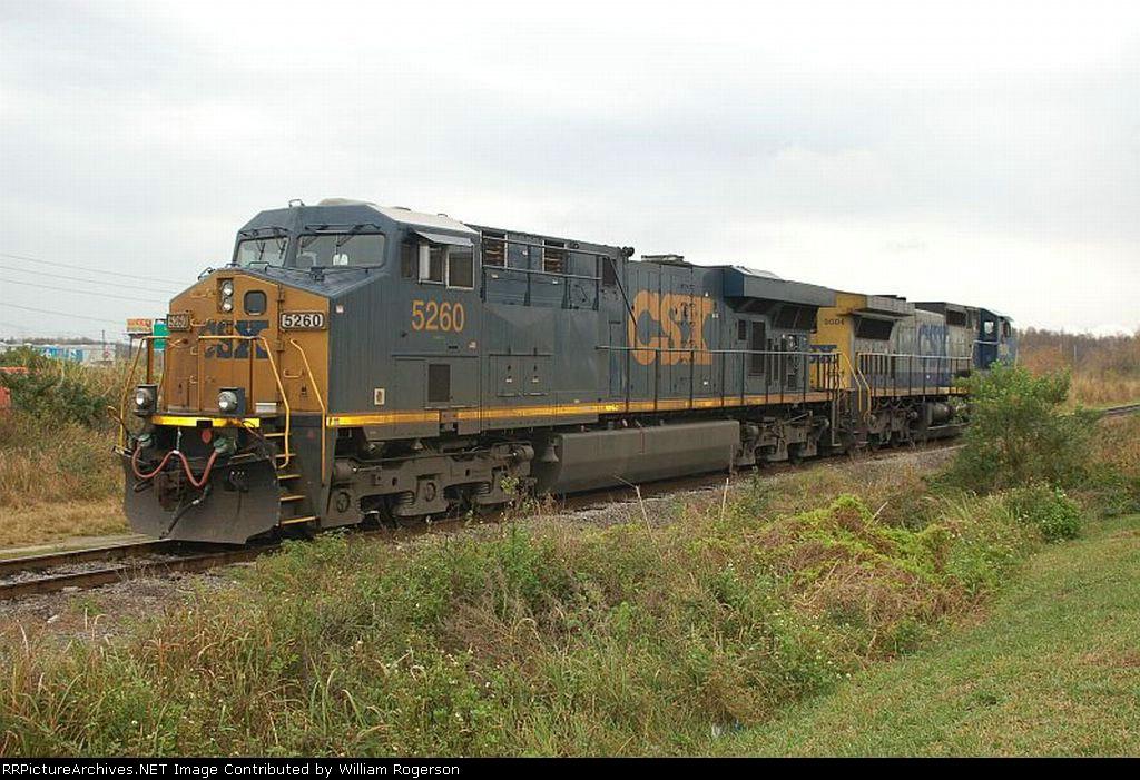 CSX Transportation GE ES44DC No. 5260 and GE C44-9W No. 9004