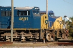 CSX Transportation (CSX) EMD SD70M No. 4691 and GE C40-8W No. 7823