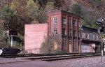 Old buildings spliting trackage