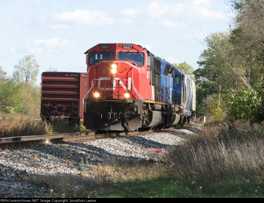 CN 5627 Leading Q335-20