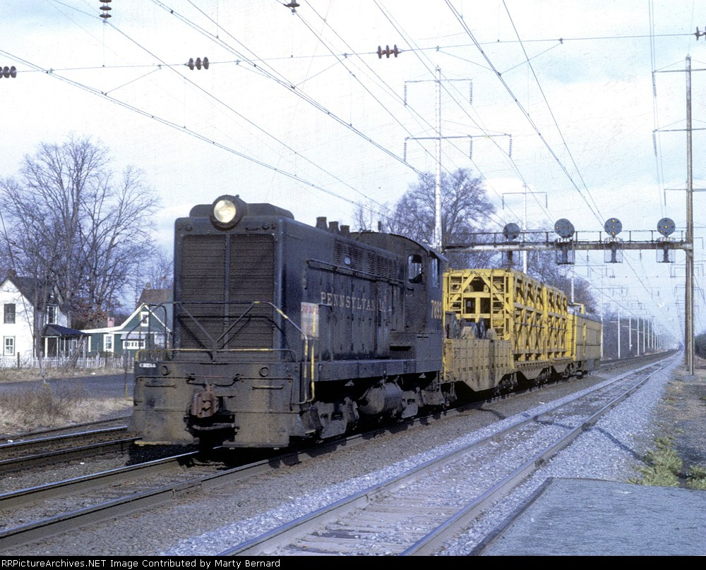 PRR 7893 With Overhead Repair Train (1 of 2)