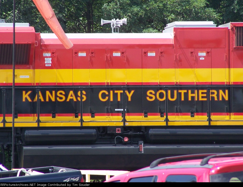 KCS 4032 New Paint Scheme