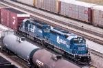 Conrail doubleheader leading SB autorack