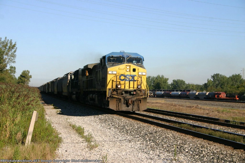 CSX 6 on Cargil grain train