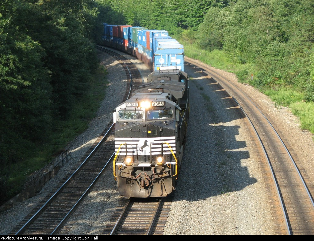 NS 9386 & 8860 charging down the hill with I5K