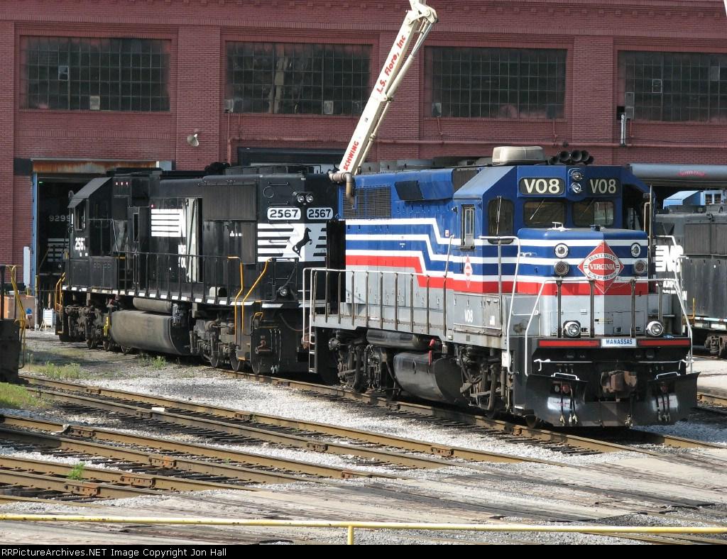 VRE V08 & NS 2567