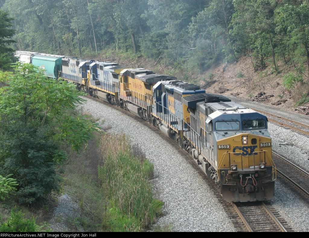 CSX 559 leads Q341 towards the signals at the east end of the yard