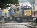 CSX 8621 & 7346 sneaking up with an eastbound
