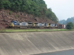 CSX 7790, 7667 & 7914 rolling west with Q640 above Wills Creek and below the rocks of the Narrows
