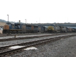 CSX 4785 & 4759 waiting with an empty E725 as Q389 prepares to depart