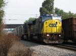 CSX 8781 & 5466 starting east with L415