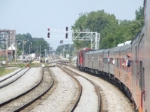 Rounding the curve at the West end of Bensenville Yard