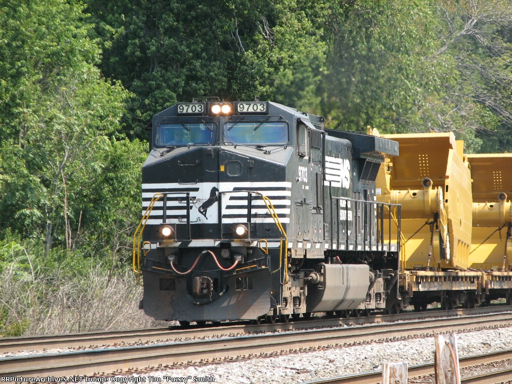 NS 9703 southbound