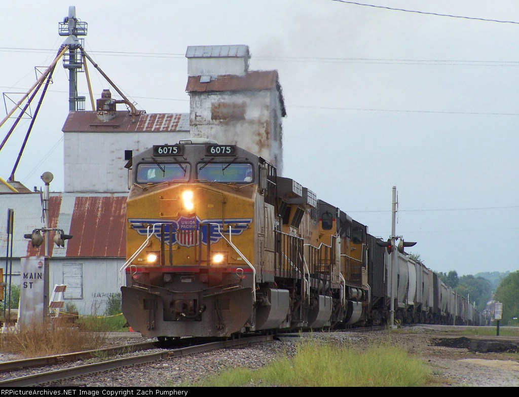 Southbound UP Loaded Grain Train