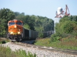 BNSF 5810 leads N956 eastward as it snakes through the curves