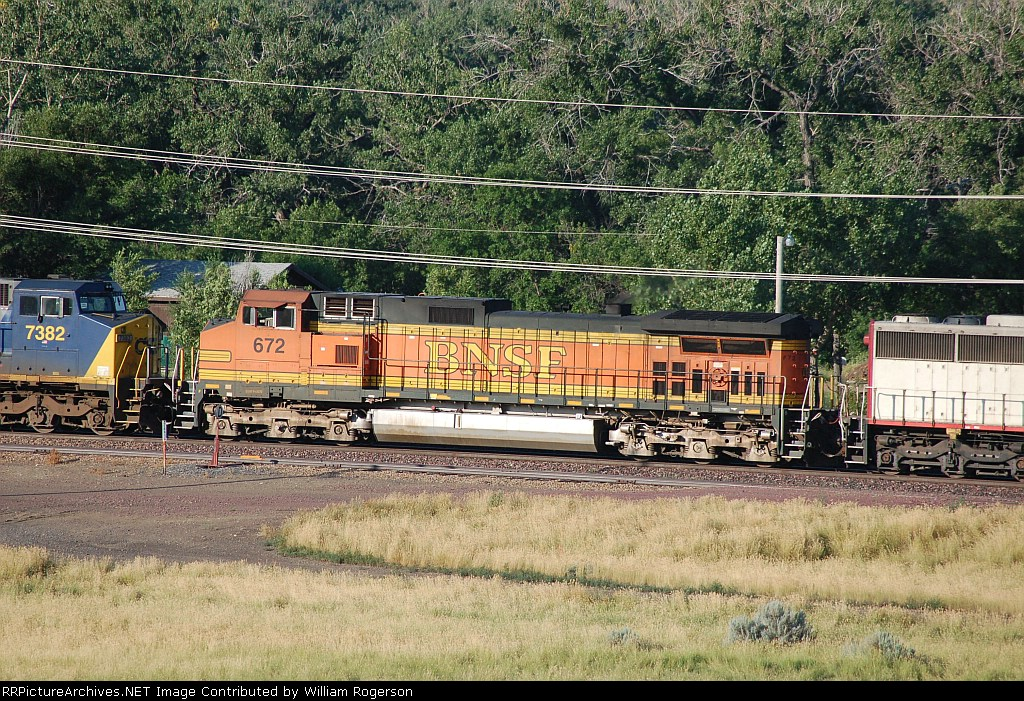 Burlington Northern Santa Fe Railway (BNSF) GE C44-9W No. 672