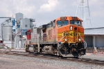 Burlington Northern Santa Fe Railway (BNSF) GE AC44CW No. 5634 and EMD SD75I No. 8296