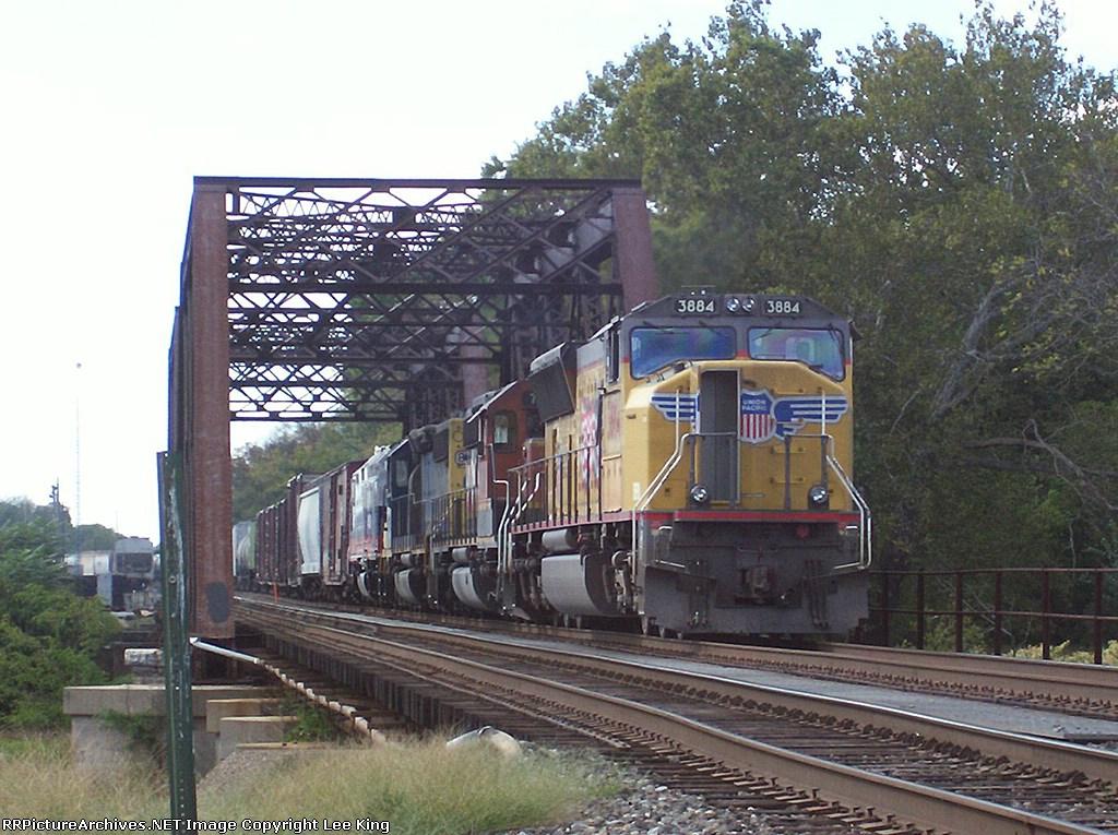 UP 3884 X380