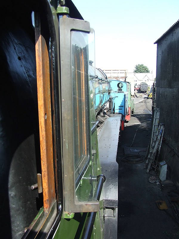 60800, view from the Fireman's cabside.