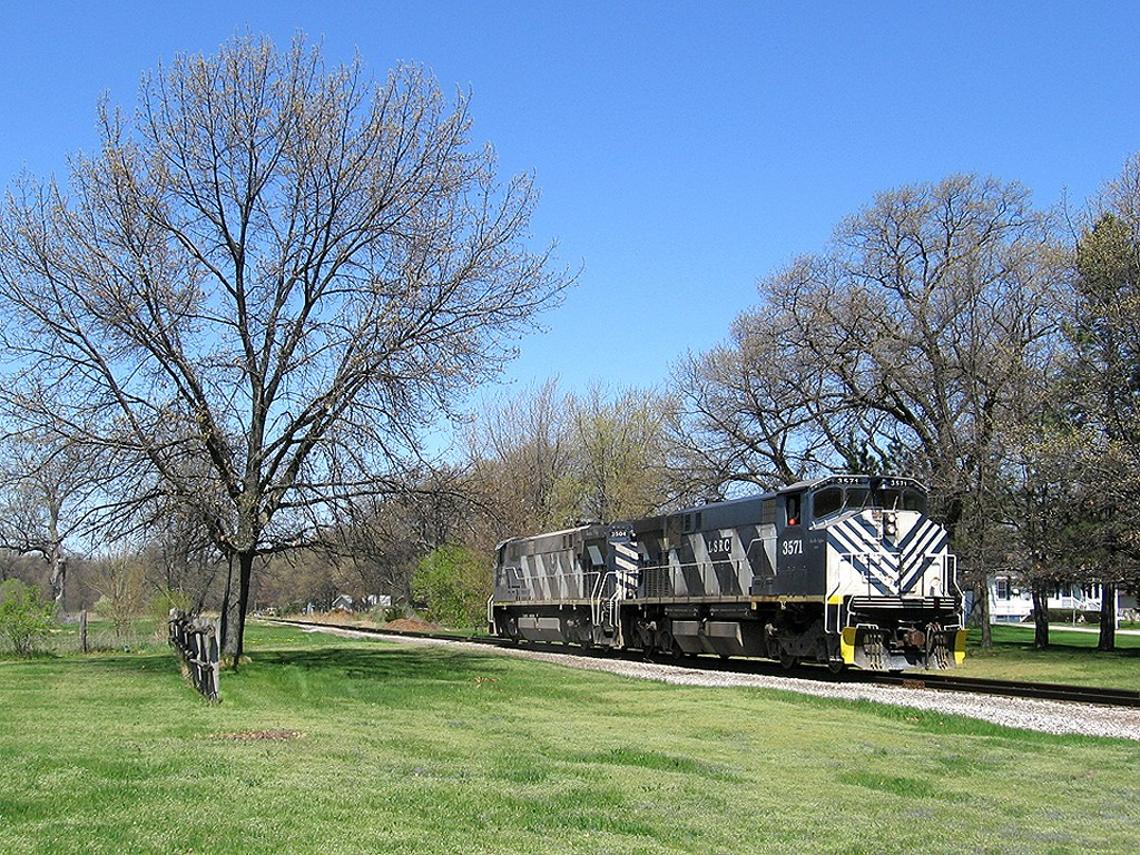 LSRC 3571 glides south towards the yard at 2 mile road