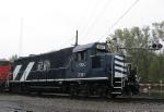 FSTX 5682 and BNSF 5199