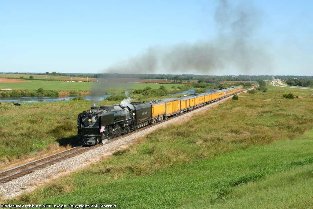 UP 844 Heads South toward Kingfisher, OK at the Oklahoma Centennial Rocket