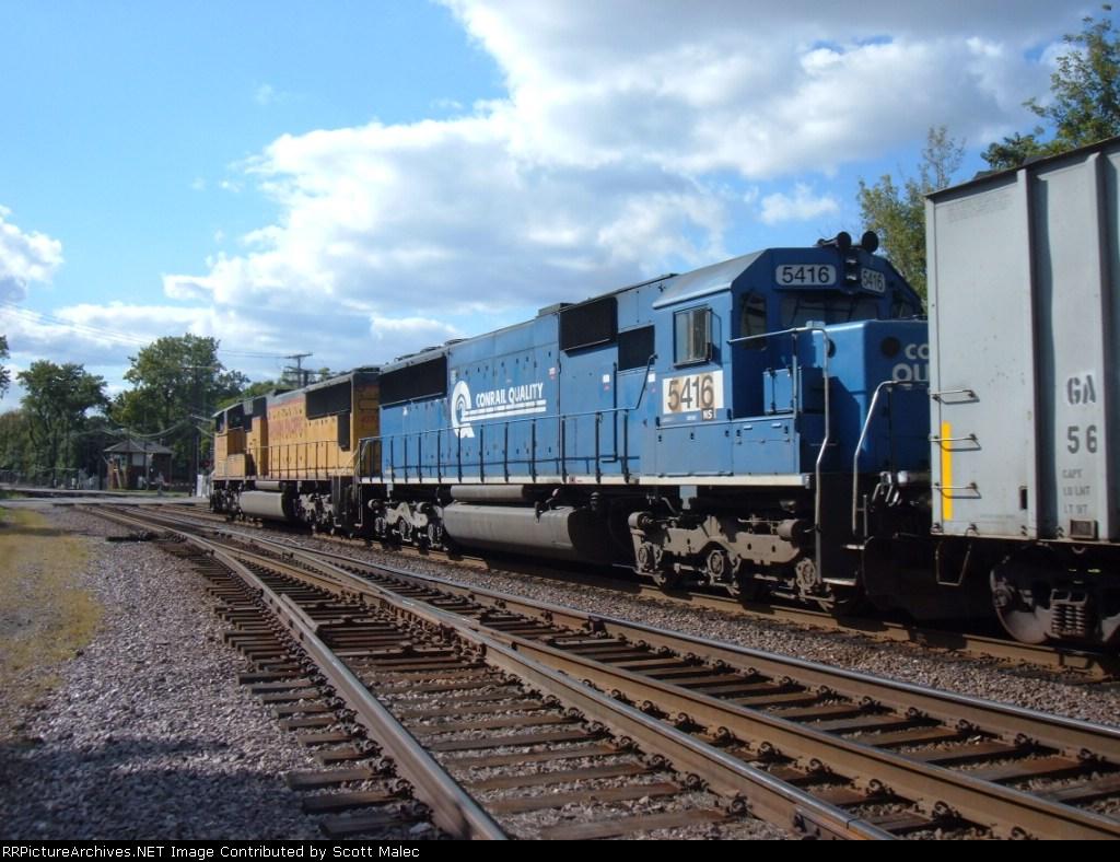 UP 4372 & NS 5416