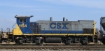 CSX 1154 works the yard
