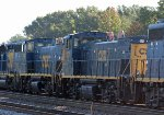 CSX 1171 & 1169 sit in the dead line