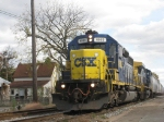 CSX 8863 With Q327