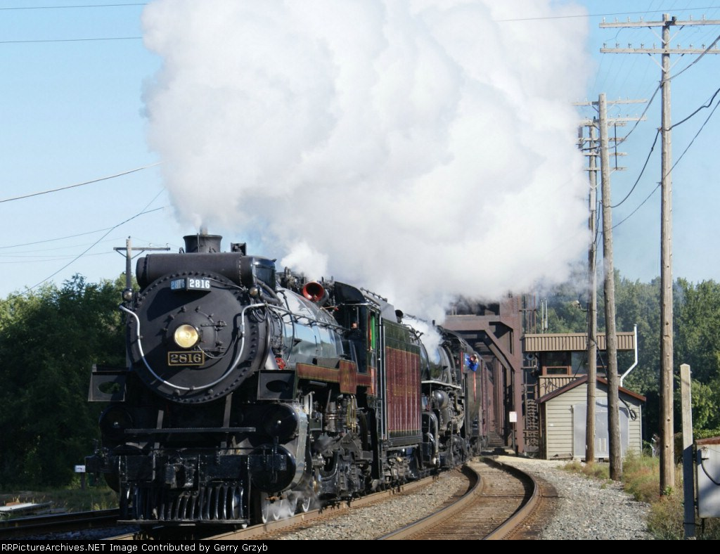 CP 2816 and MILW 261 marching into Hastings
