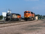 BNSF 5865 slow to take a look
