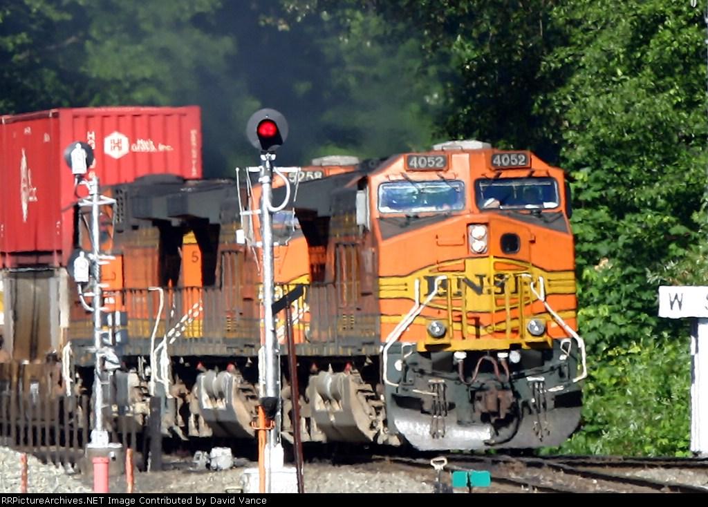 BNSF 4052